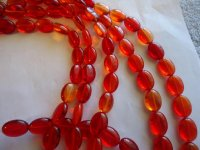 Red oval glass beads #hu1326