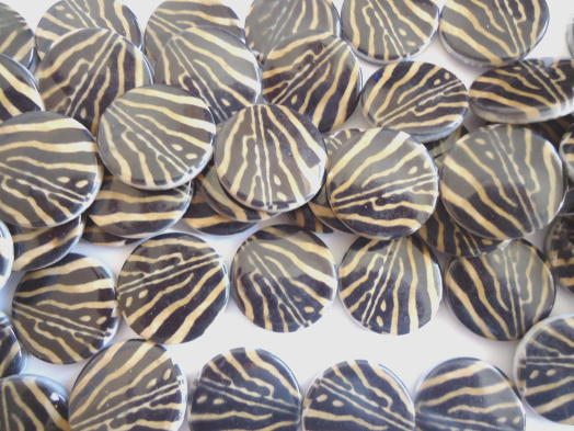 Black and tan zebra coin beads #BS1012 - Click Image to Close